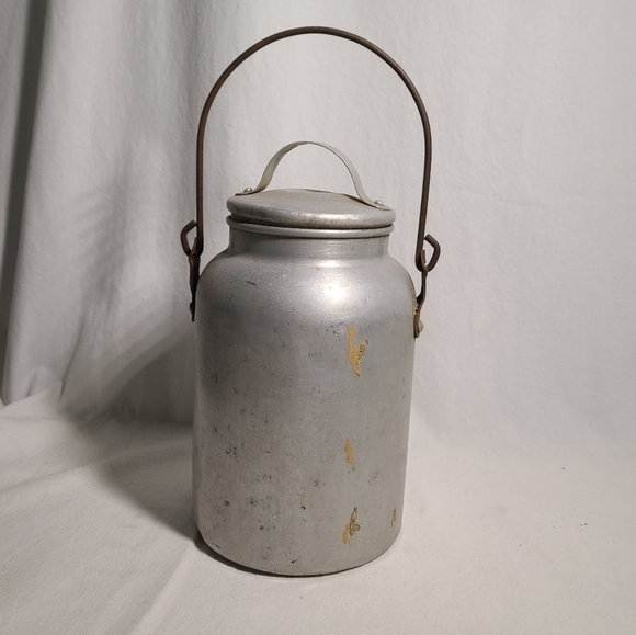 Rustic pure aluminum jug with a lid and handle